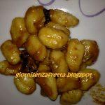 Gnocchi di patate con prugne e gorgonzola
