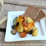 Padellata di verdure dell'orto con salsa di soia e semi di sesamo