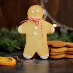 Decoriamo l'albero di Natale con i gingerbread