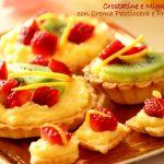 Crostatine con crema pasticciera e frutta fresca