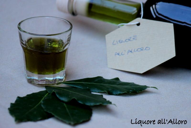 liquore con alloro