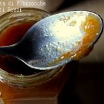 Marmellata di albicocche e cagnetti rossi