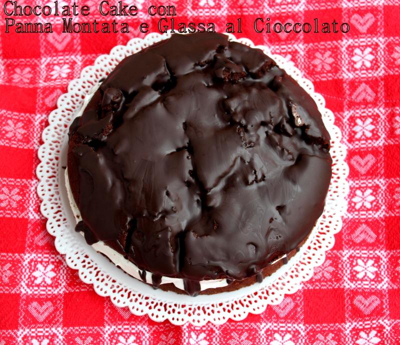 chocolate cake con panna montata