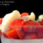 Panna cotta con cioccolato bianco e fragole