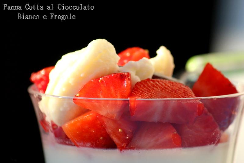 panna cotta al cioccolato bianco e fragole