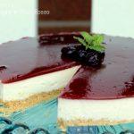 Cheesecake alla cannella con salsa alle ciliegie e vino rosso