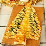 Albero di sfoglia con spinaci e prosciutto