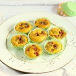 Muffin salati con pancetta , scamorza , cumino e semi di papavero