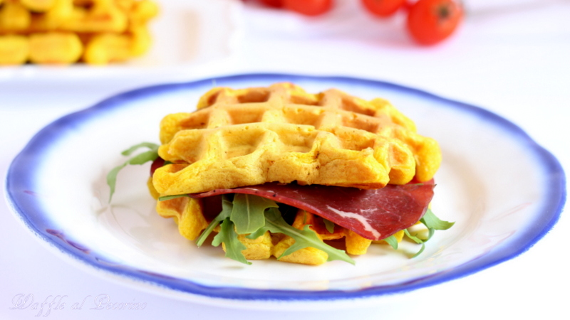 waffle salati al pecorino