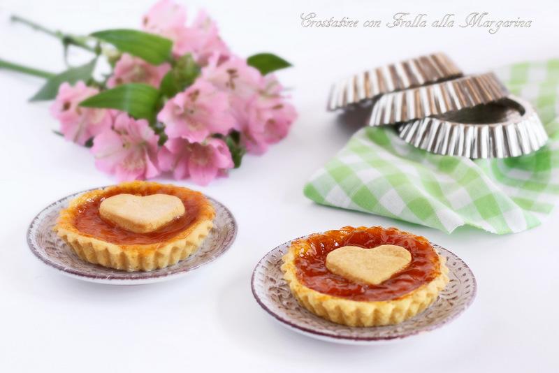 crostatine all'albicocca e frolla alla margarina
