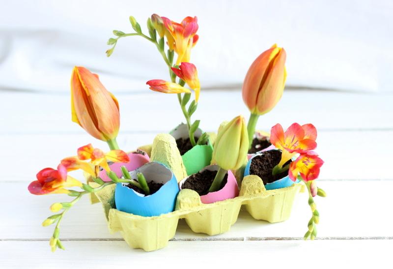 uova e fiori per pasqua
