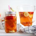 bevanda con te rooibos e frutta fresca