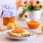Marmellata di albicocche con curcuma e pepe