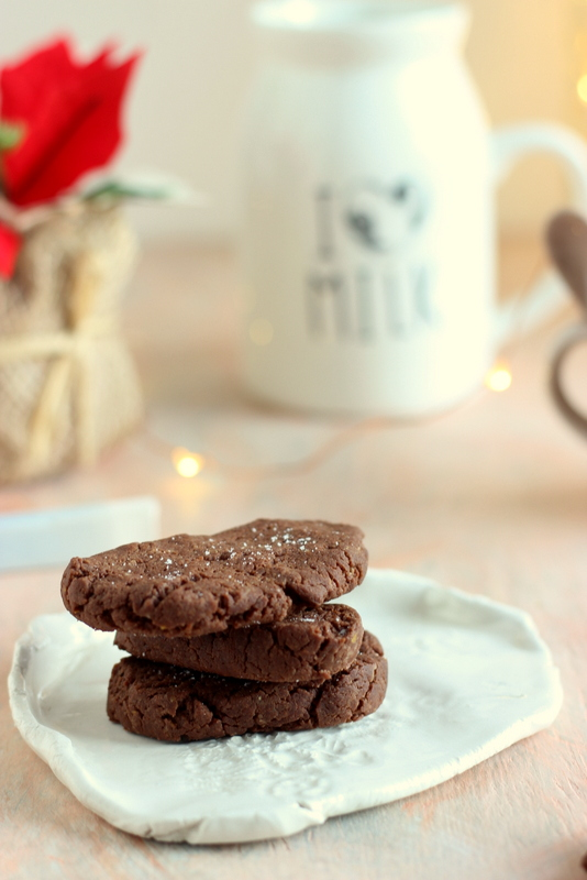 chocolate-fudge-salt-cookies