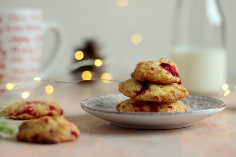 cookies-cioccolato-bianco-e-lamponi