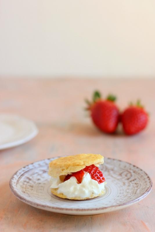ricetta-scones-panna-e-fragole