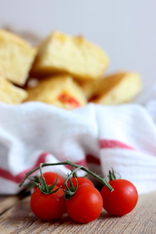 focaccia-con-pomodorini