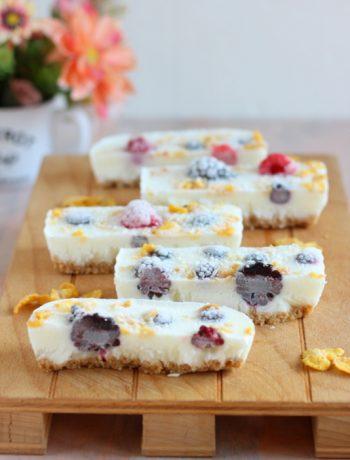 frozen-yogurt-bark-con-frutti-rossi