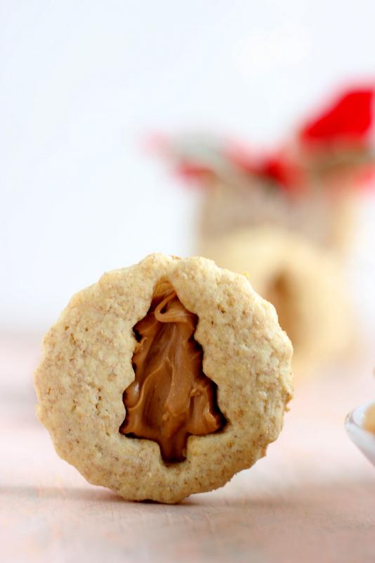 biscotti-con-crema-mou